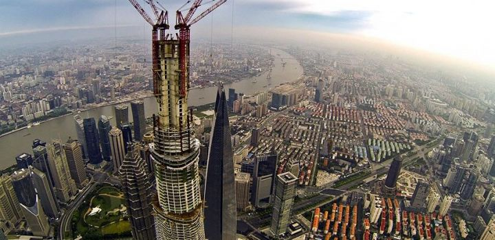 Shanghai Tower twisting its way toward an opening