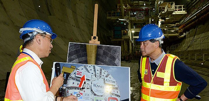 Chief Executive inspects bridge works
