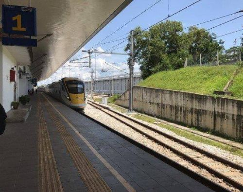 Dual-track upgrade attracts foreign bidders