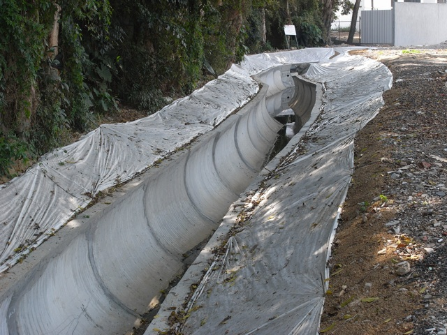 Another view of the reinstated river channel at Kam Tsin Tsuen showing the joints filled in with cement mortar. Photo taken on 30 Jan 2013 (Danny Chung)