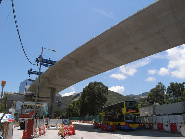 Bridge deck segments are traditionally cast in-situ on site but this usually entails implementing traffic diversions and causes other inconveniences to people living and working nearby.  (Danny Chung)