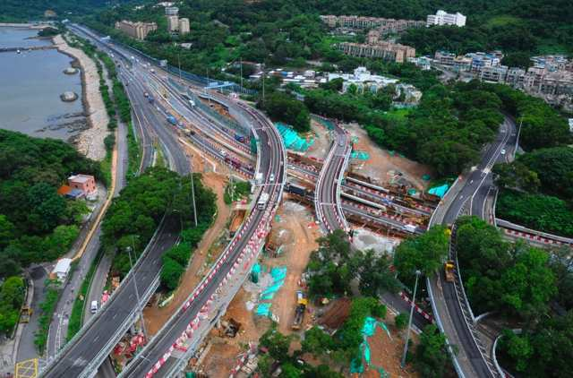 Construction work in progress at Island House Interchange in this July 2013 progress photo. Widening of the Tolo/Fanling Highway is scheduled for completion in 2018  (Highways Department - HKSAR Government)