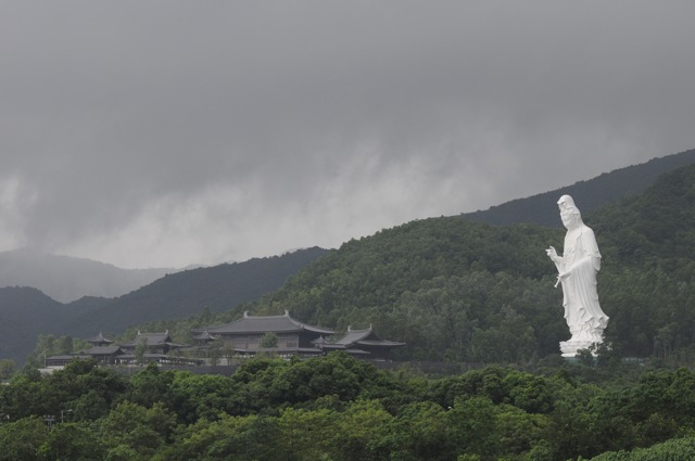 The Guan Yin statue and Tsz Shan Monastery complex in Tai Po district. The contract document made no provision for dispute resolution measures during the contract, permitting only negotiation and litigation   (Danny Chung)