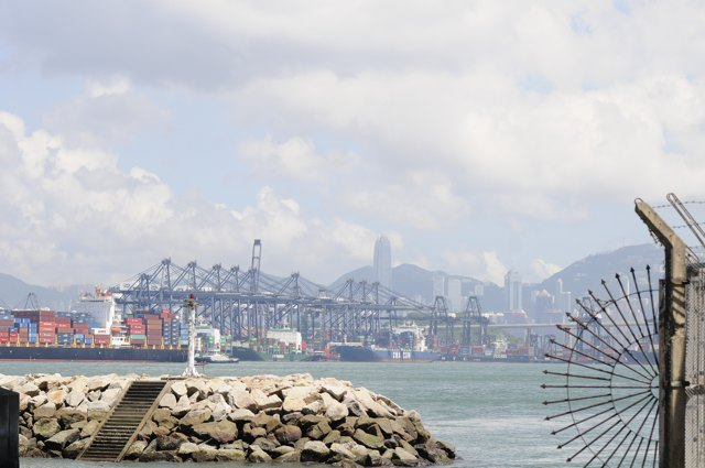 The contract for dredging at Kwai Tsing Container Basin has gone to China International Water & Electric Corporation (Danny Chung)