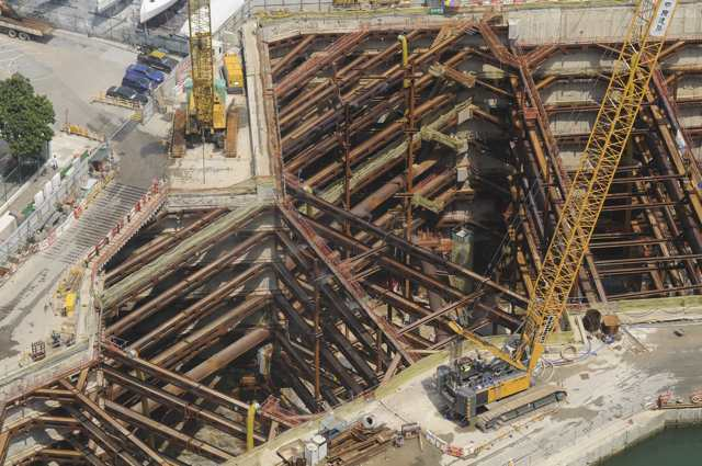 The view from above - cofferdam under construction for the Central-Wan Chai Bypass   (Danny Chung)