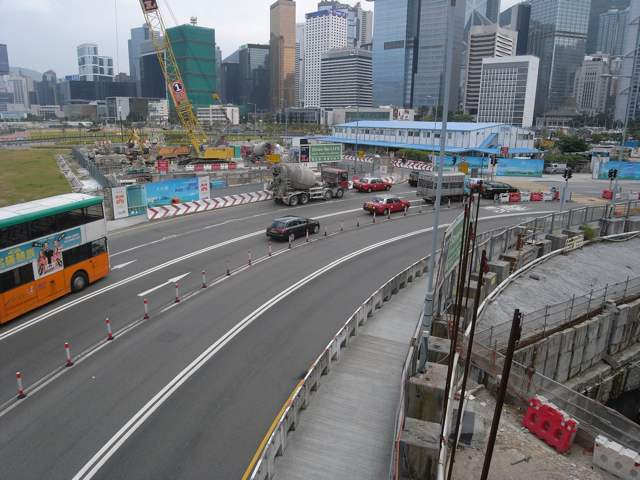 The structure for a section of the Central-Wan Chai Bypass tunnel has already been built under the contract for the Central Reclamation Phase III. On the bottom right of the photo, one can see the tunnel that was built by Leighton-China State-Van Oord Joint Venture   (Danny Chung)